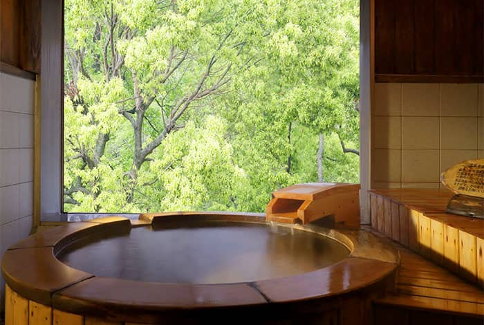 貸切風呂「山音の湯」