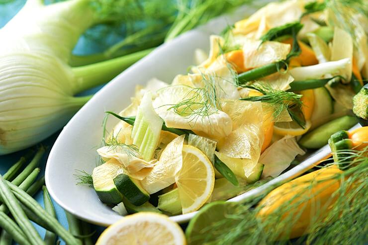 2019夏のサラダ一例/湯葉と夏野菜とレモンとフェンネルのサラダ